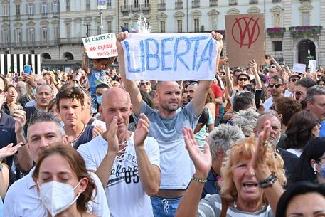 """Da Cgil e Uil solidarietà ai giornalisti insultati durante la manifestazione """"No Green Pass"""""""
